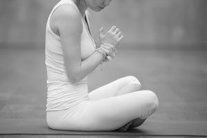 yoga injury, side effects of yoga, wrist pain